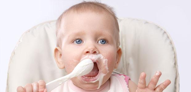 Benefícios do Iogurte para a Saúde dos Bebês
