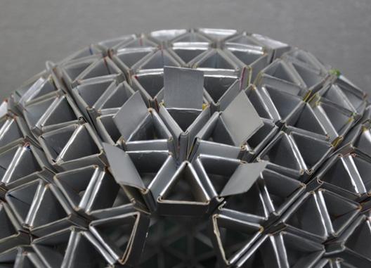 Luminária é feita com Caixa de Leite Tetrapack Reciclada